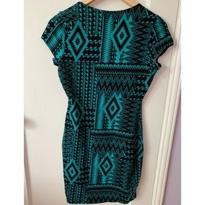 By and By Dresses - Geometric print bodycon dress (turquoise & black)